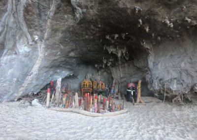 Phra Nang Cave neboli Princeznina jeskyně