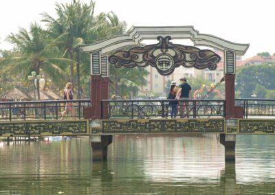 Most přes řeku v historickém centru Hoi An