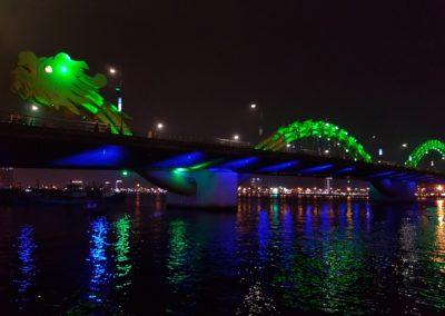 Dragon Bridge přes řeku Han