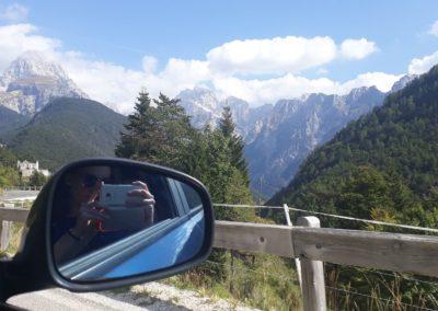 Silnice od italských hranic s výhledem na vrcholek Mangartu
